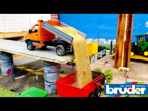 BRUDER TOYS RC John Deere tractor sand transport | Video for kids | Toyz Rule